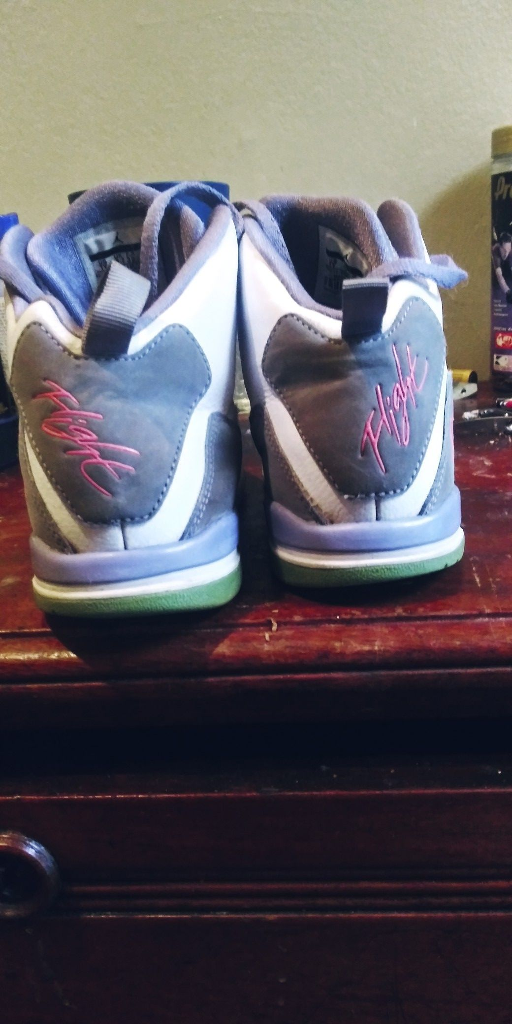 Jordan Flights Size 1Y