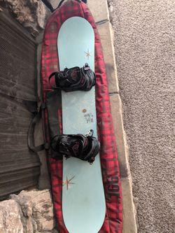 Snowboard, bindings, bag Thumbnail