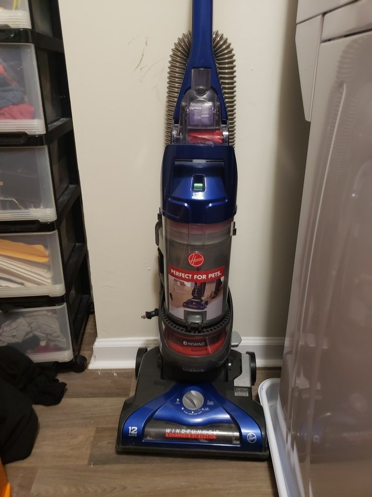 Hoover vacuum for sale!!