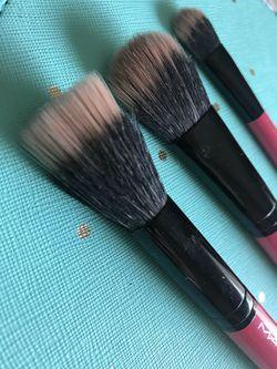 MAC brushes Thumbnail