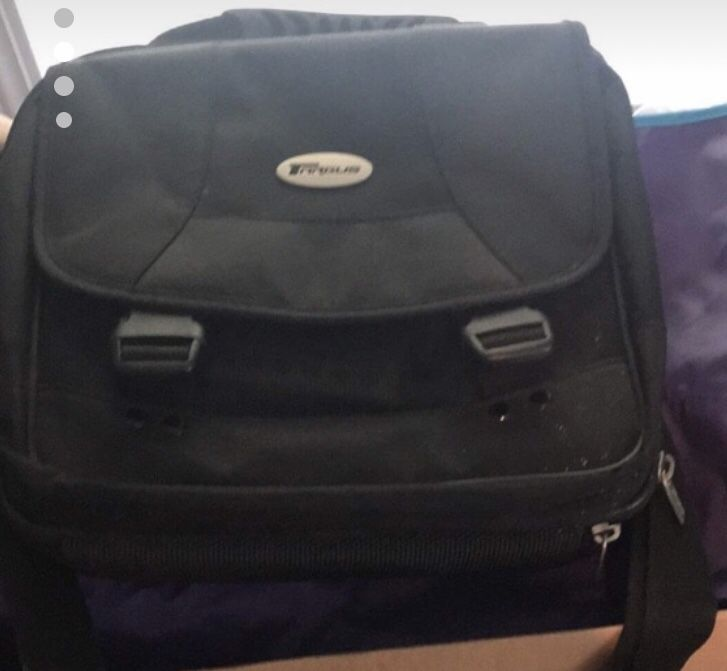 Portable DVD player and carrying case and Blu-ray DVDs