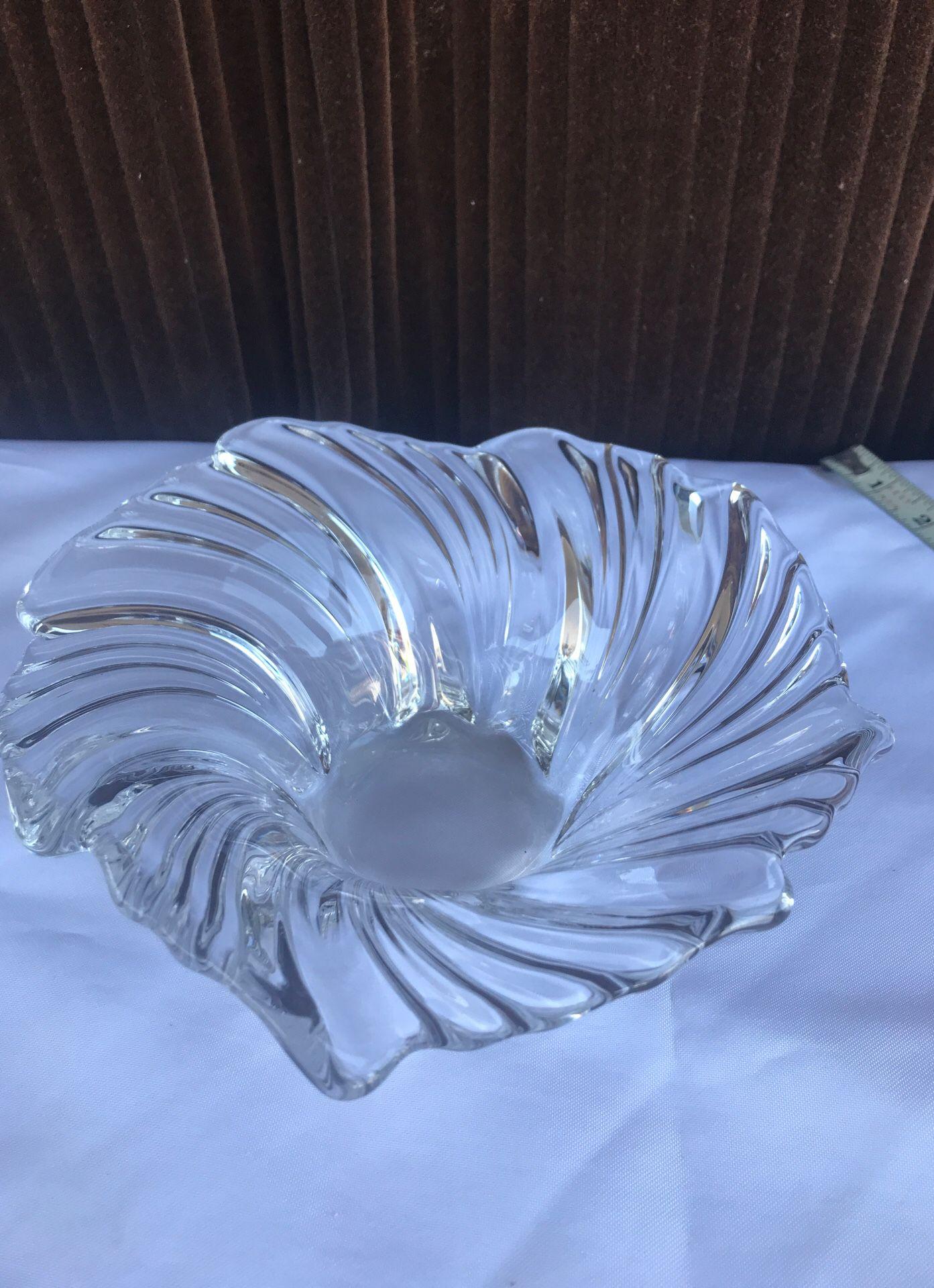 Crystal bowl , look at measurements