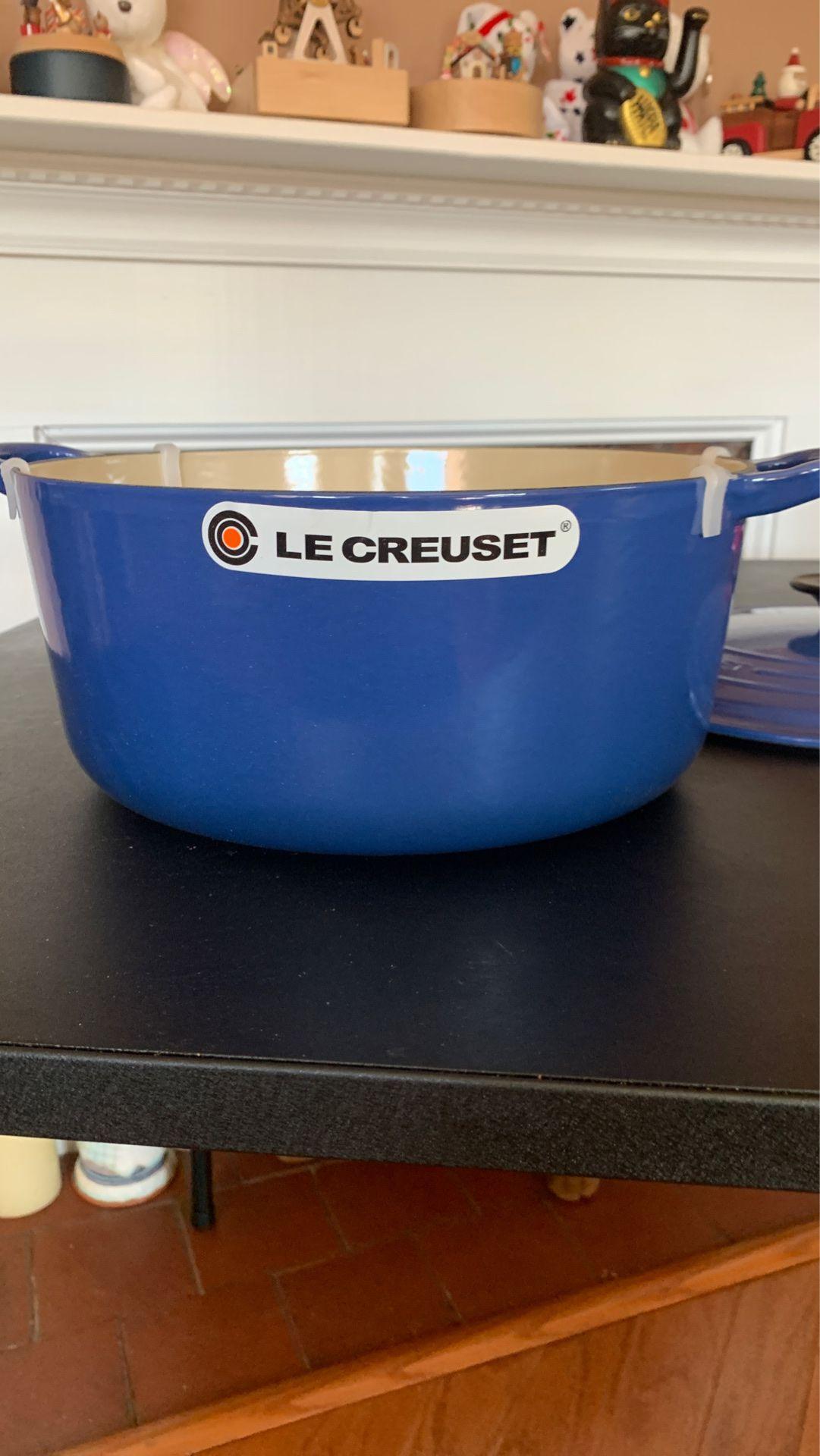 Brandnew blue le creaset cast iron pan