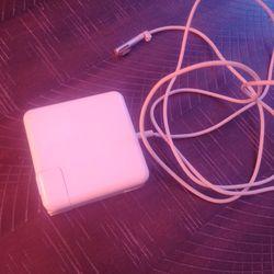 Apple AC Adapter Thumbnail