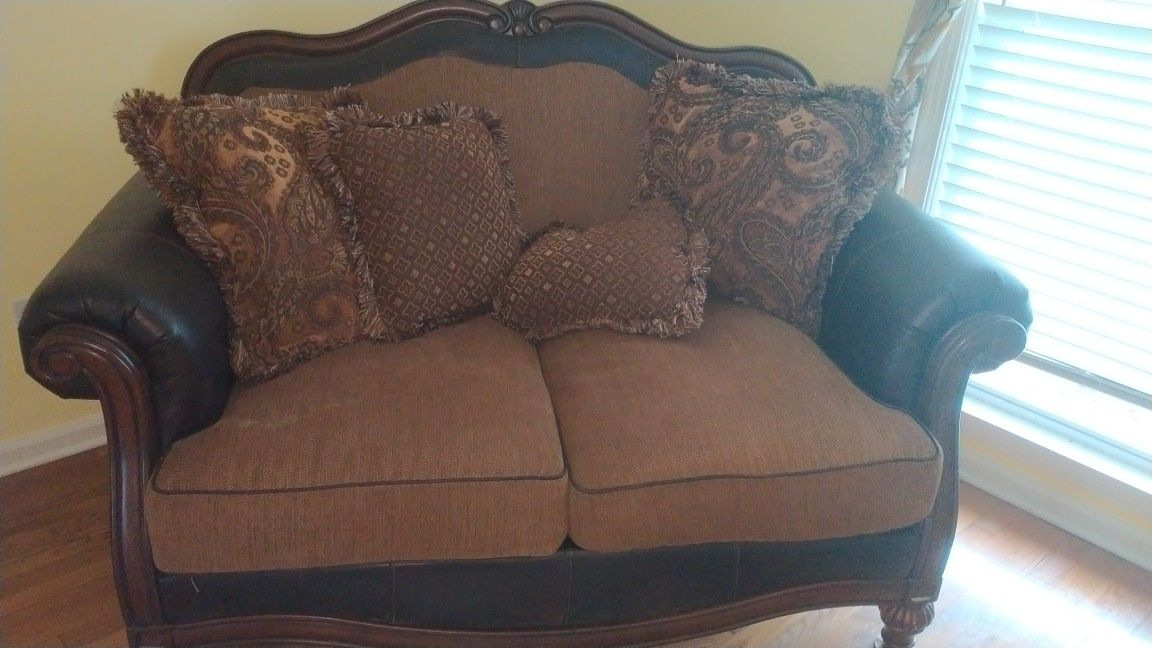 Ashley Furniture Brown Mixed Fabric Deep Seated Living room Set