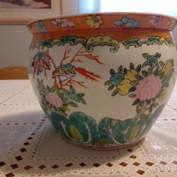 6,5 INCHES TALL AND  8,5INCHES WIDE AT TOP VERY BEAUTIFUL LOOKING  ASIAN  FISH BOWL  Thumbnail