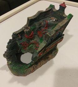 Fish Tank Ship Decor Thumbnail