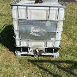 250 Gallon Water Tank with Garden Hose Attachment Thumbnail