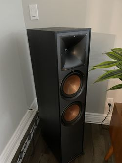 Klipsch R-820F Floorstanding Speakers - Pair! Thumbnail