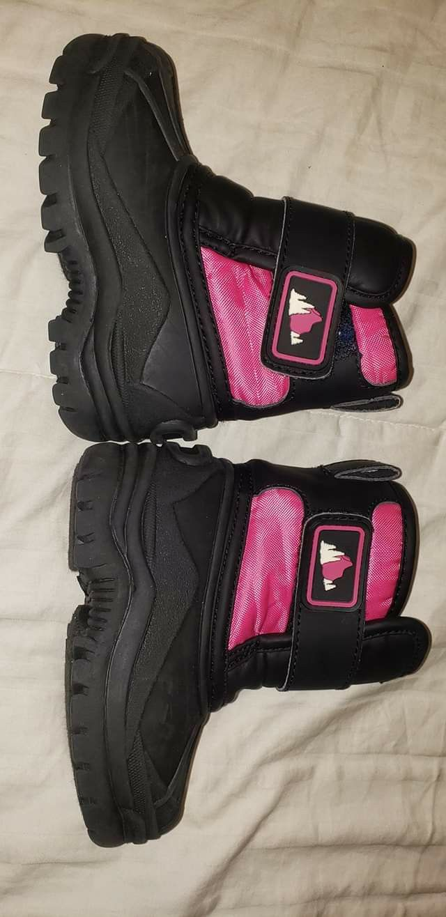 Toddler Girl Snow Boots Size 6M
