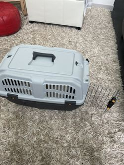 Small dog carrier Thumbnail