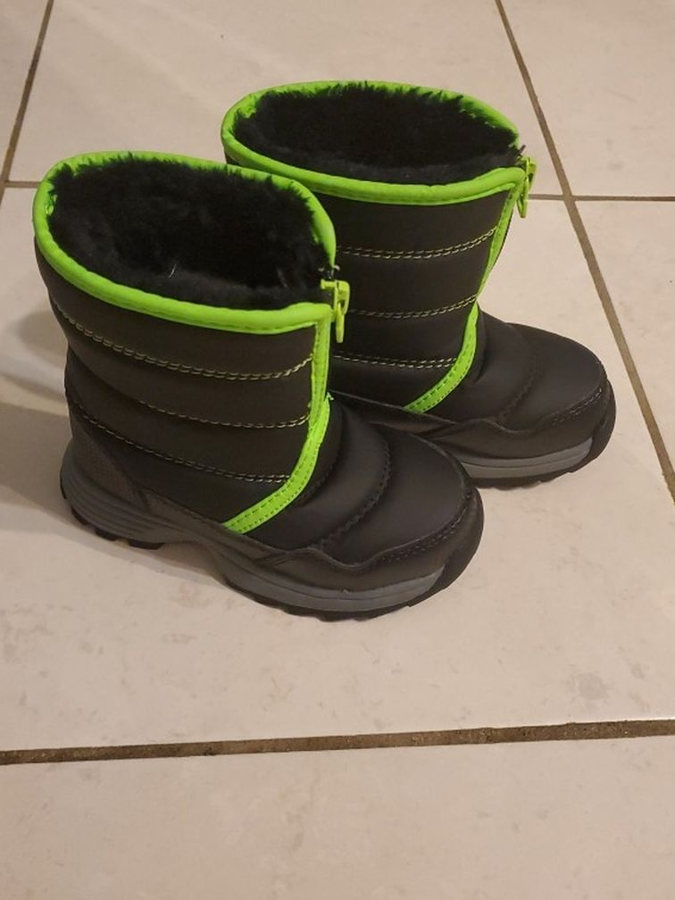 Toddler Size 8 Snow Boots