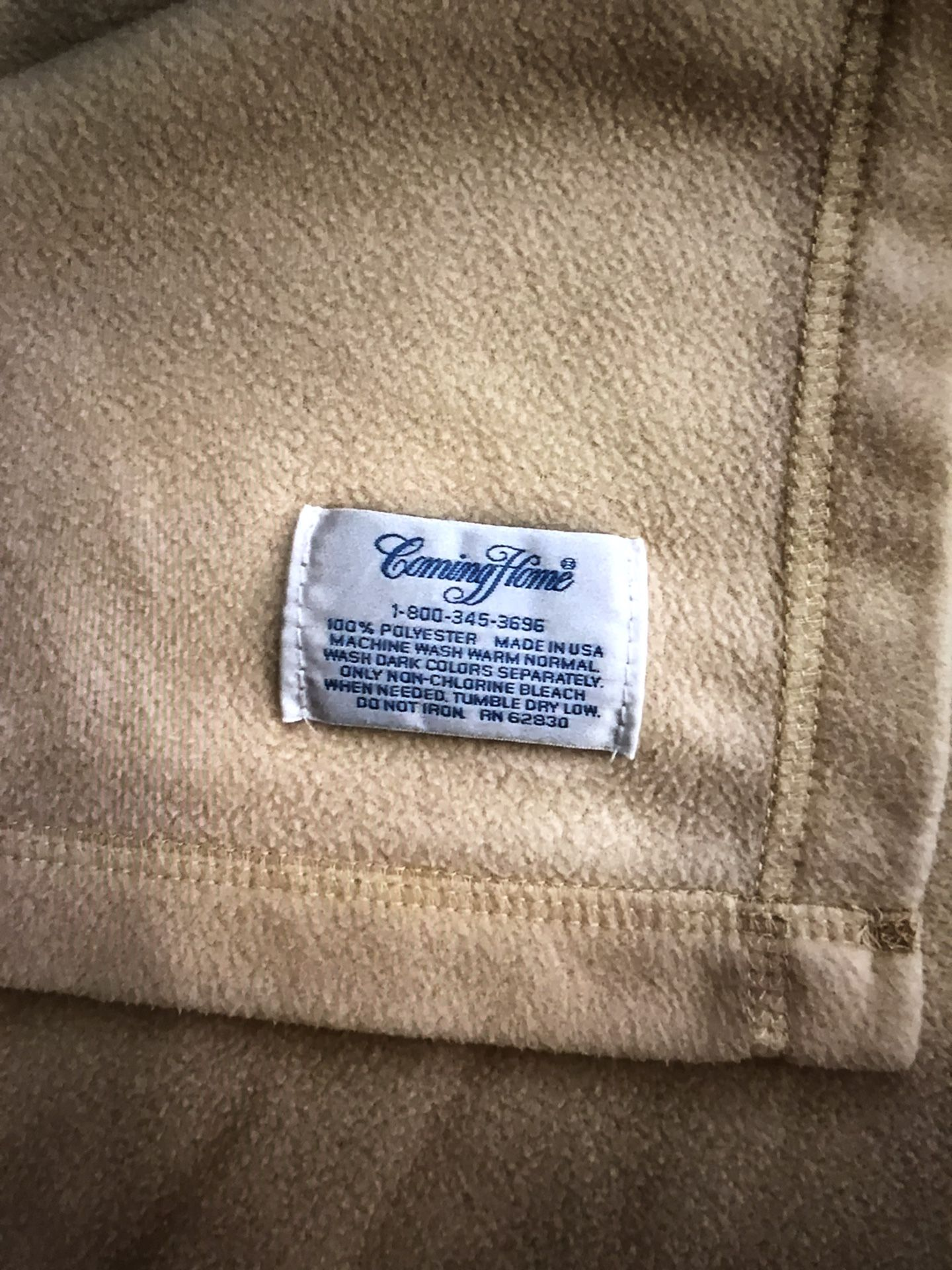 """Vintage Coming Home yellow/cream flannel blanket - 91"""" x 62"""""""