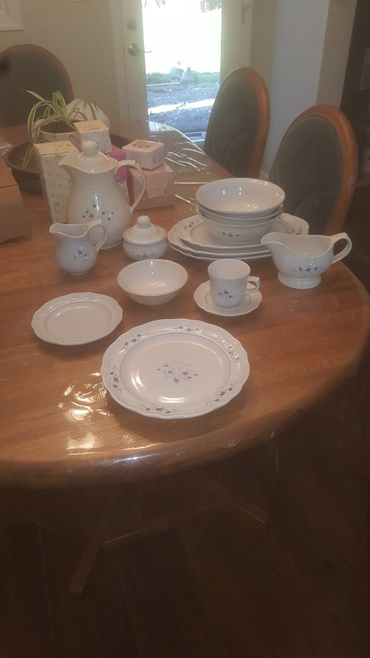 Older Pfaltzgraff Dishes
