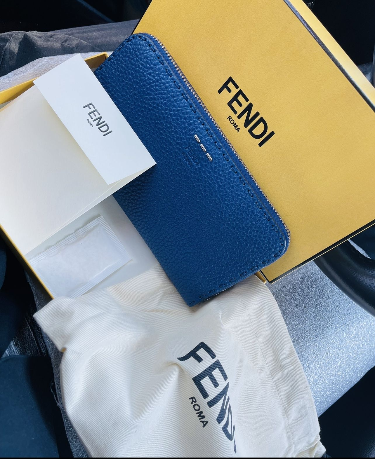 FENDI ROMA AUTHENTIC PEBBLED LEATHER WALLET