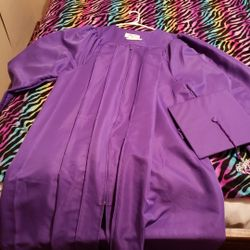 Hallsville Cap And Gown Thumbnail