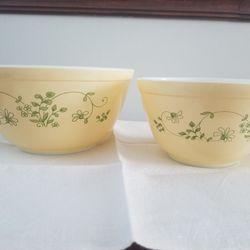 Pyrex Shenendoah Ivy Glass Bowl Set #401 and #402 Thumbnail