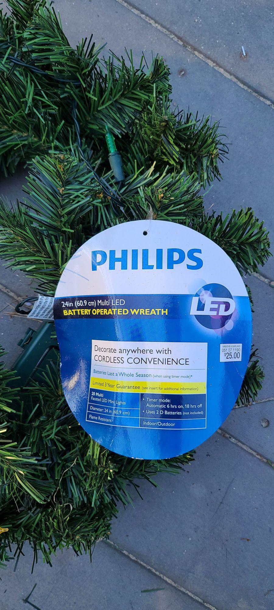 Christmas Wreaths Indoor/Outdoor Berries, Pinecones, Ribbon & Philips Led New