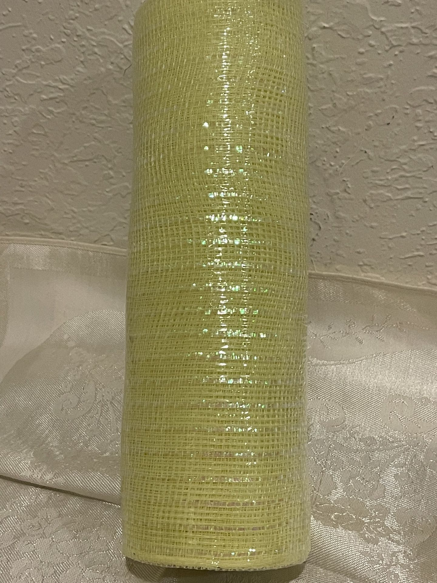 """10"""" DECO MESH Soft YELLOW with Metallic Threads  Woven Poly  10""""W X 30Ft 10yards"""