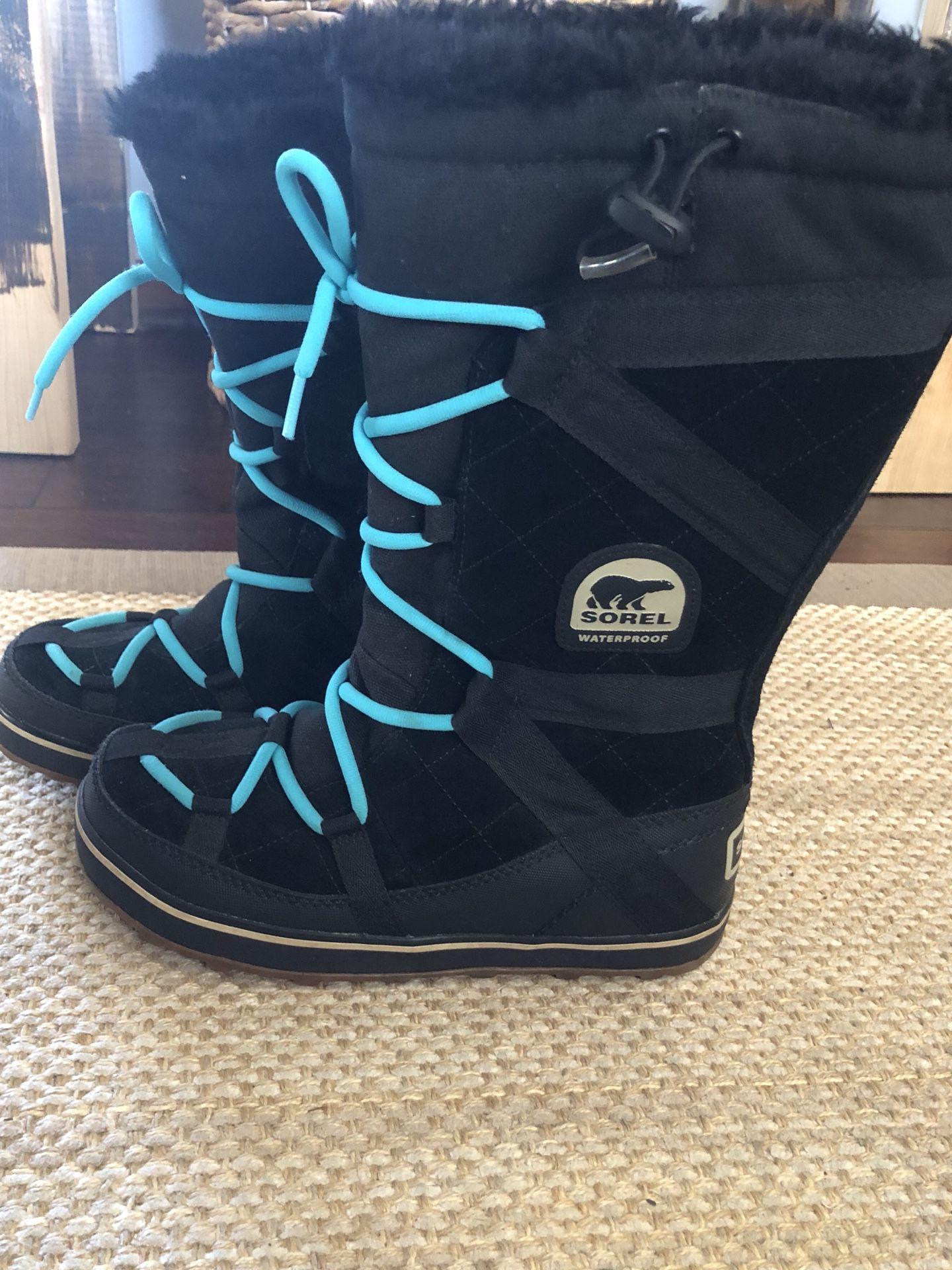 Sorel Glacy Explorer Black winter boots. Size 8. Originally $135