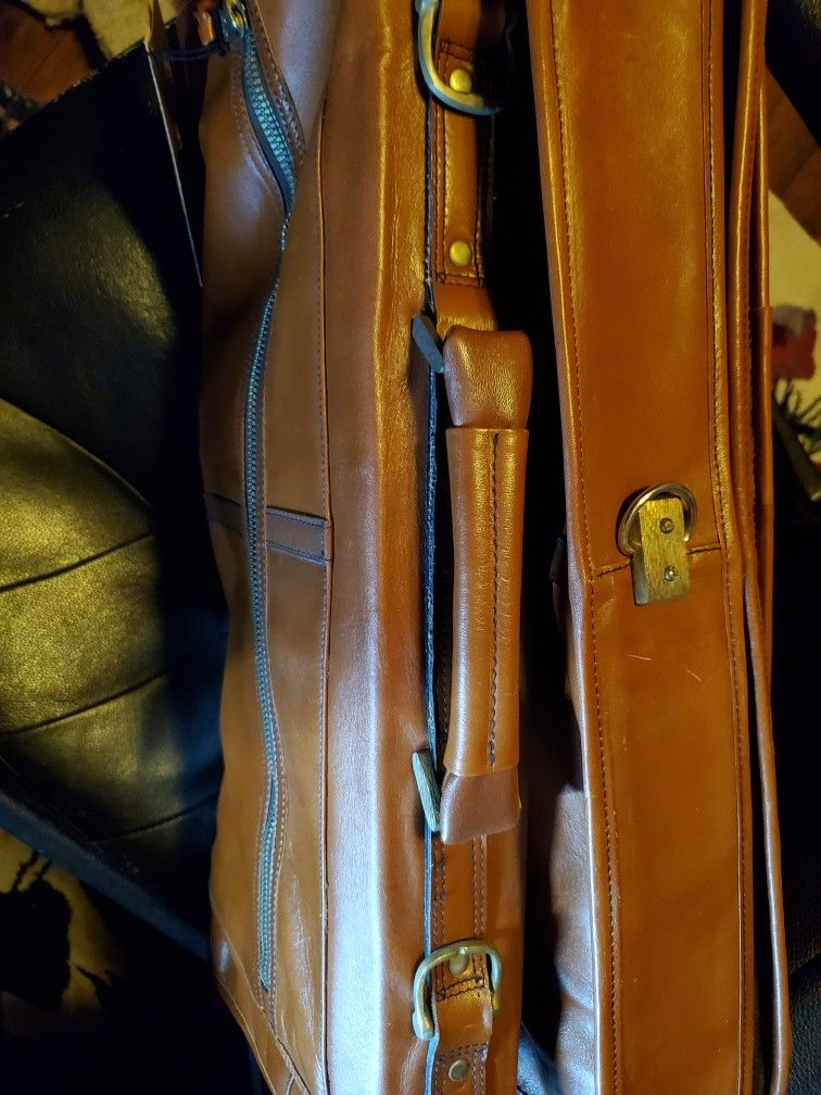Vintage 1970s Tumi Leather Garment Bag