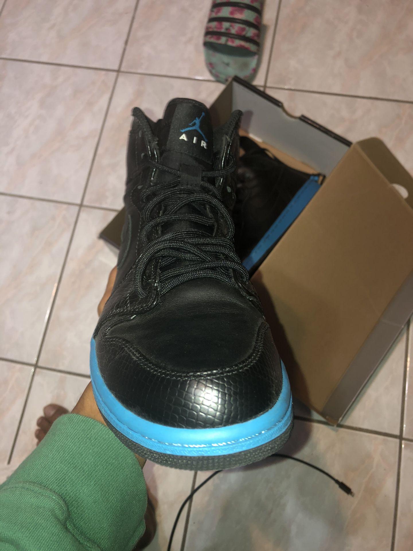 Air Jordan 1 Size 9 Black and blue