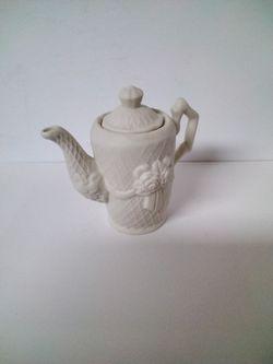 Very Cute Little Tea Pot . Thumbnail