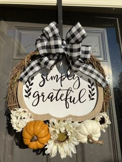 Burlap Wreath Thumbnail