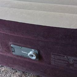 Queen Size Air Mattress 20 Inch With Built In Pump, Bestway Thumbnail