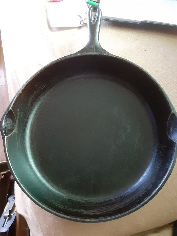 Wagner Ware Sidney -O- No 10 Cast Iron Skillet 1060A Frying Pan