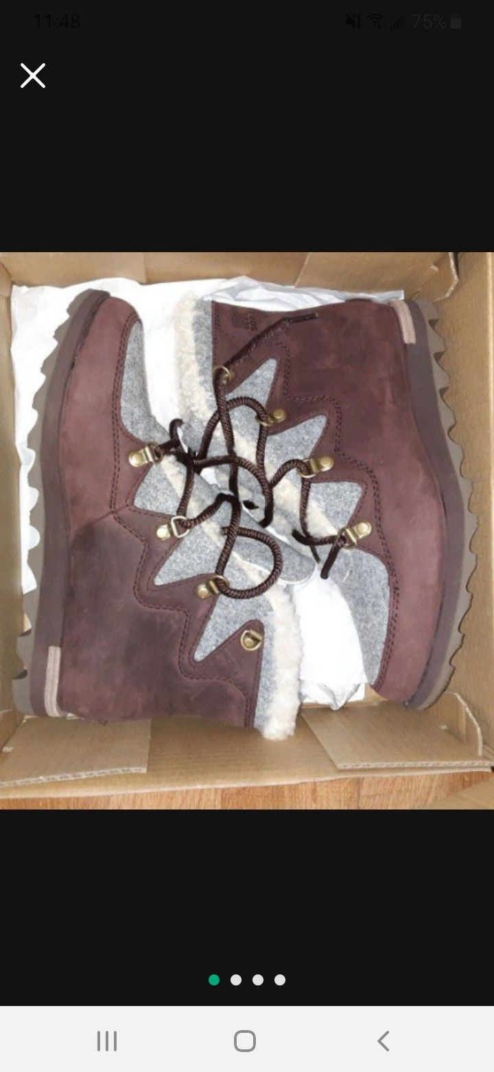 Sorel Boots Size 8 Brand New In Box