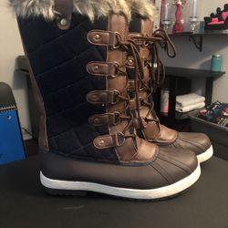 Womens Snow Boots Thumbnail