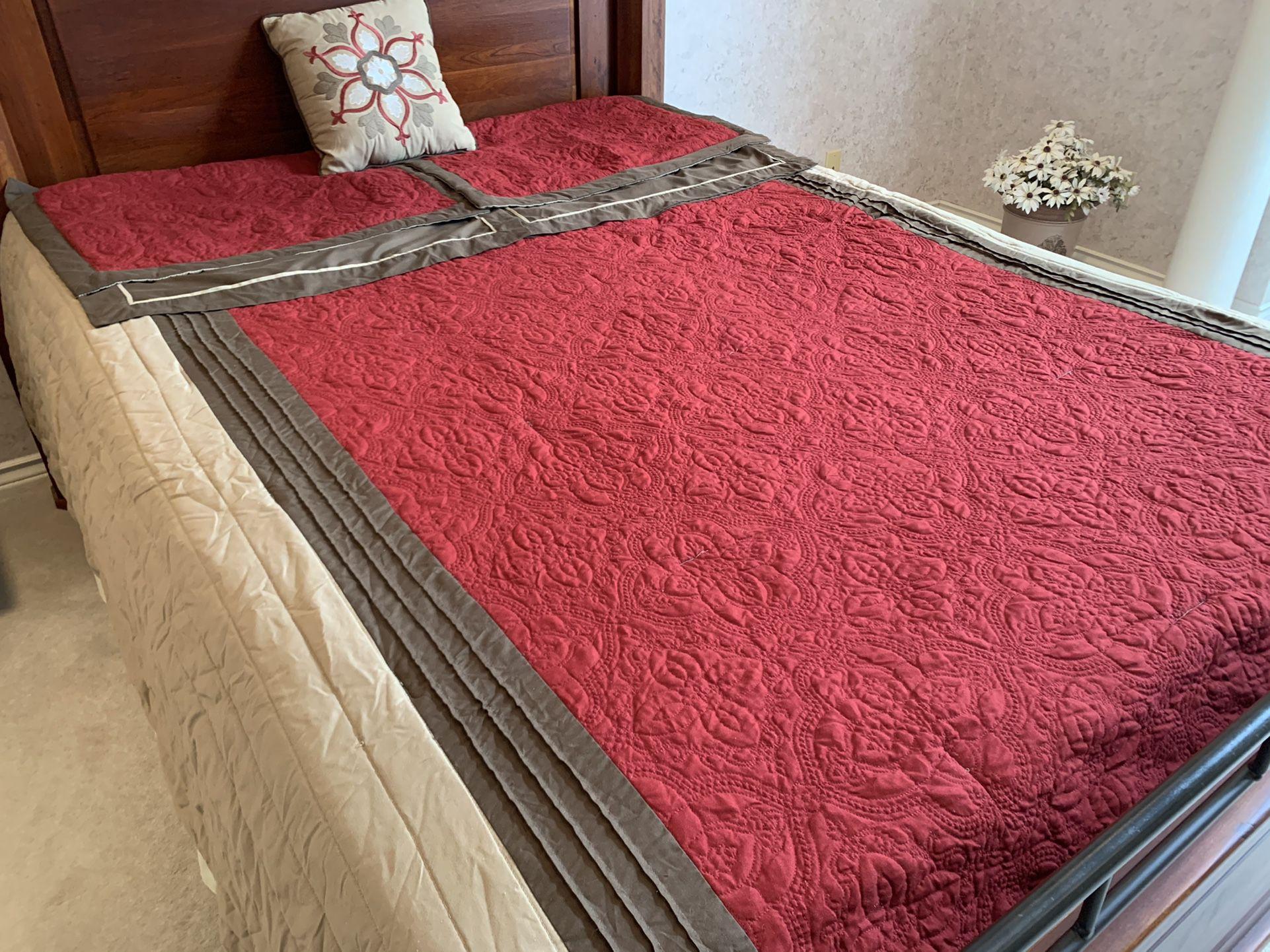 8 Piece Comforter Set/Queen Size
