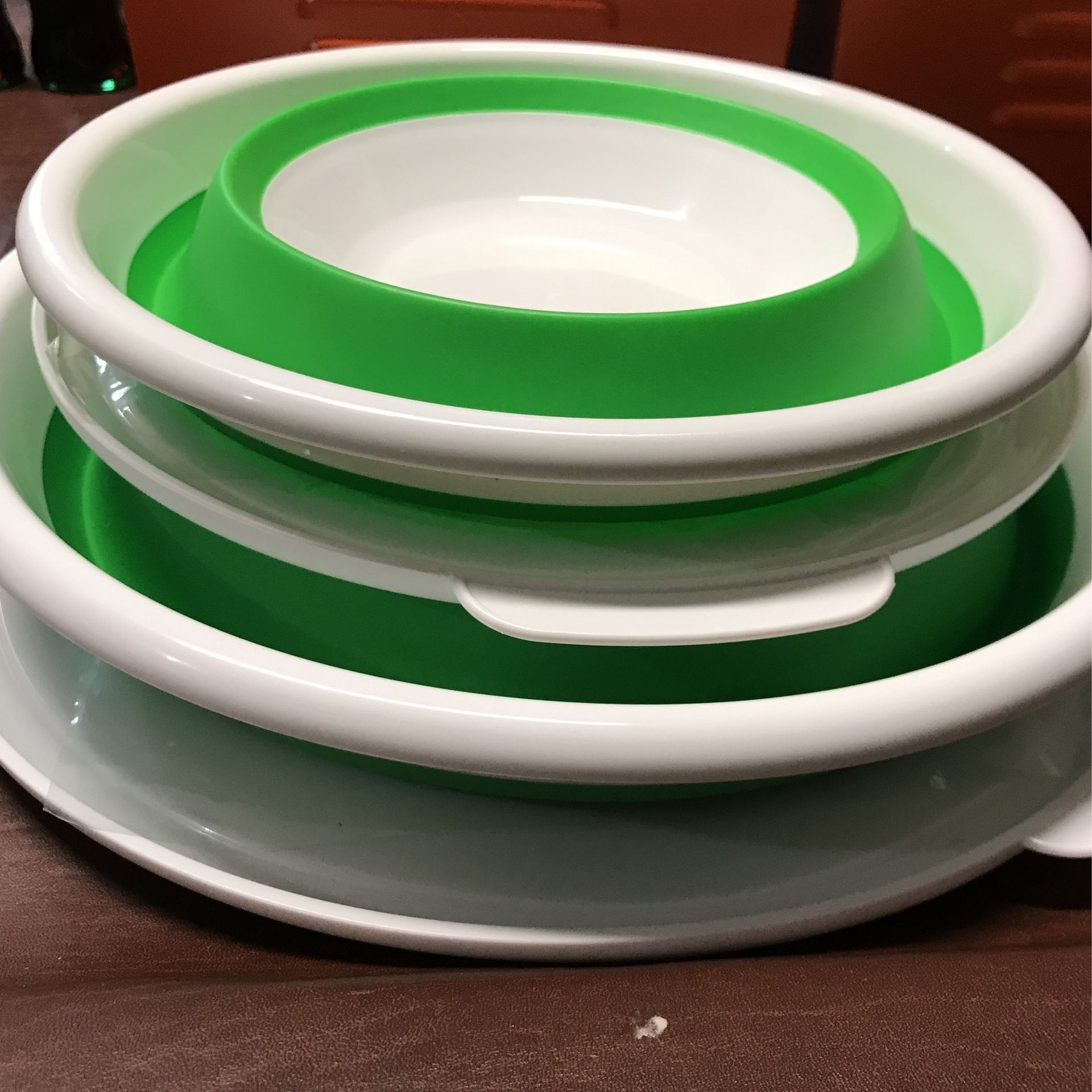 Pampered Chef Collapsible Bowls