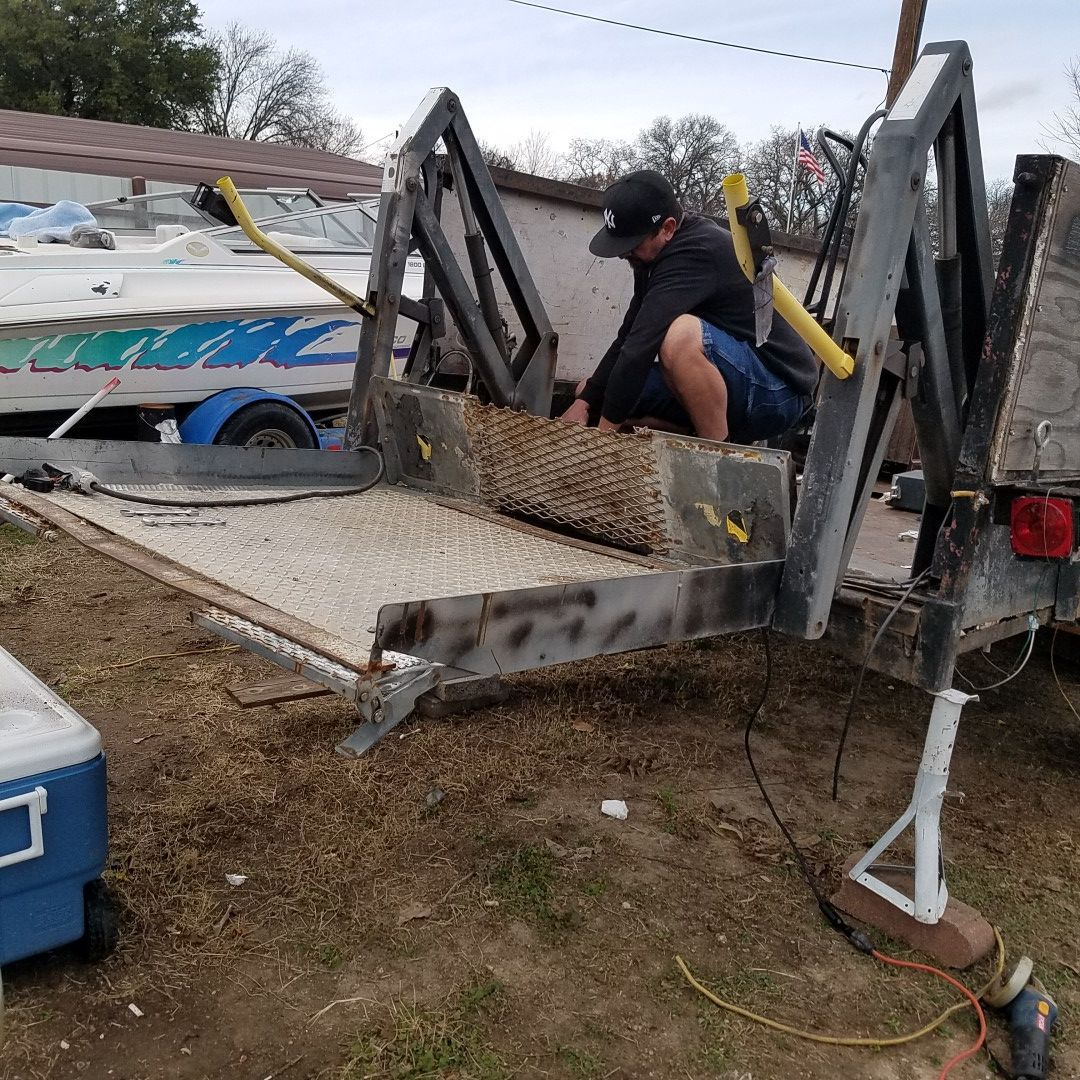 Lift for a trailer