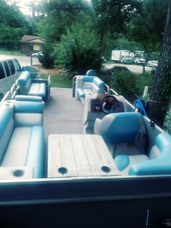 Pontoon boat Thumbnail