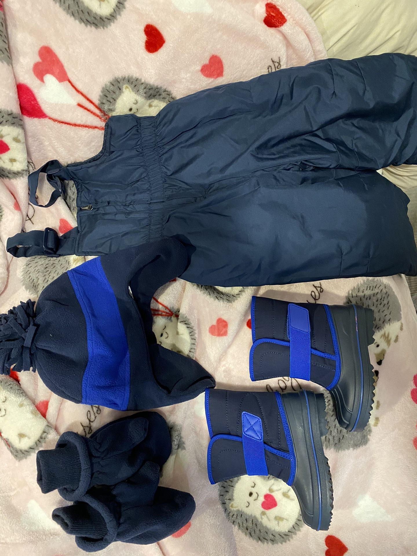 Toddler winter snow suit / snow boots
