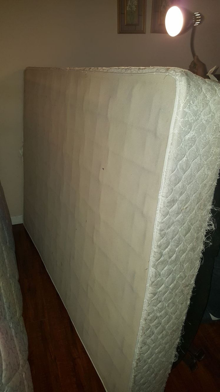 Mattress and box spring full size