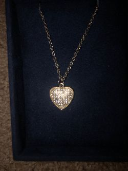 Heart shaped necklace in rose gold. It's stunning! Thumbnail