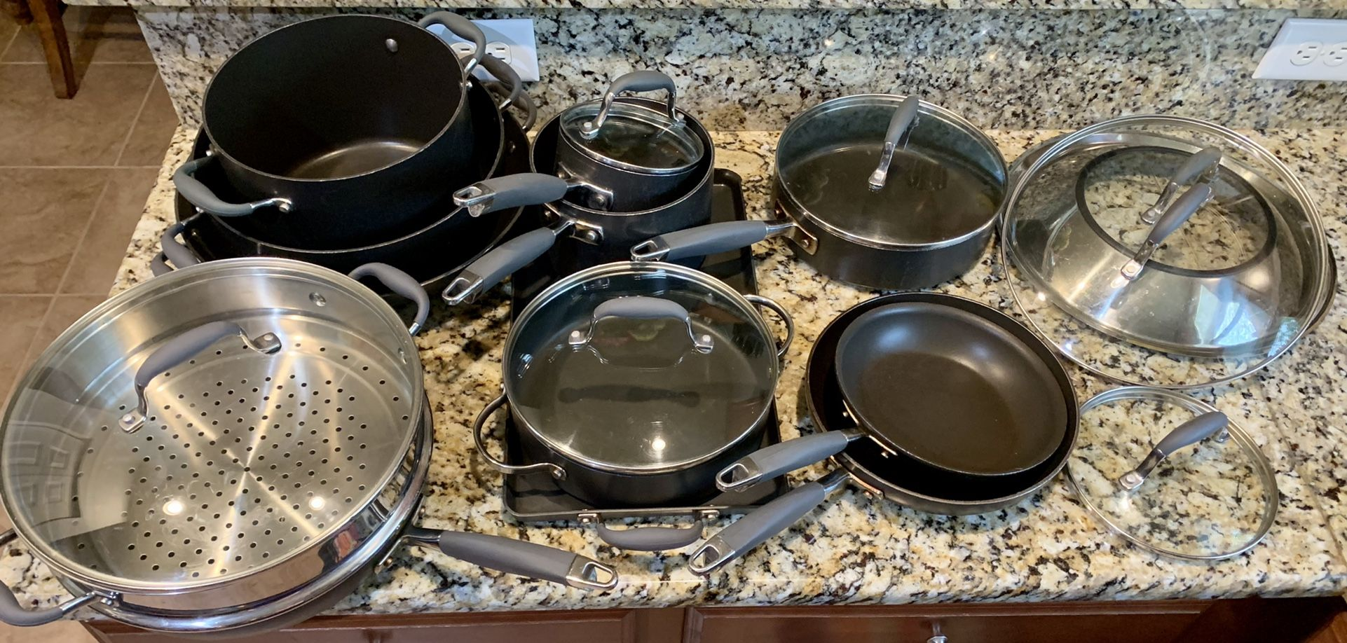 Anolon Advanced Home Hard-Anodized Nonstick Cookware Set in Moonstone Pots And Pans     Excellent condition!!!
