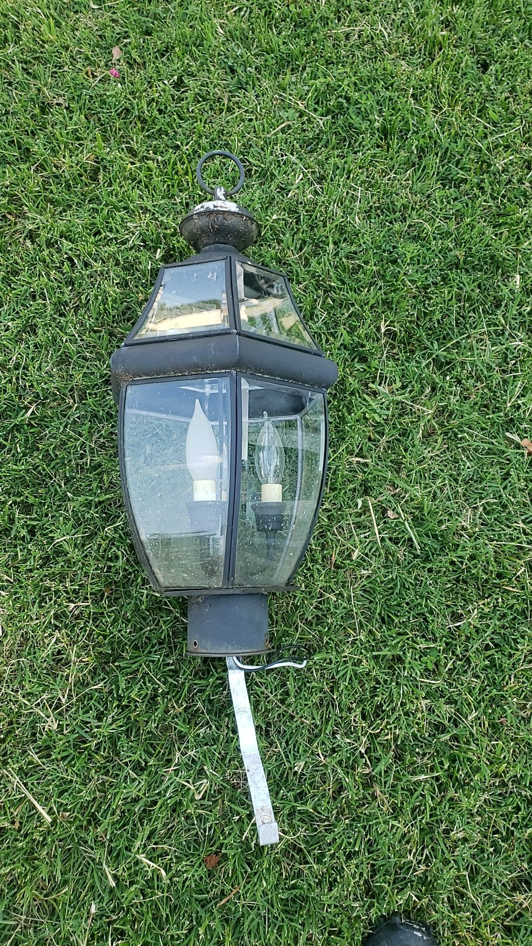 Yard post lamp