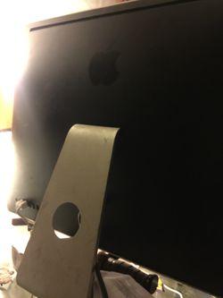 Apple computer Thumbnail