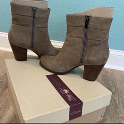 Clarks Mission Manor Ankle Boot Thumbnail