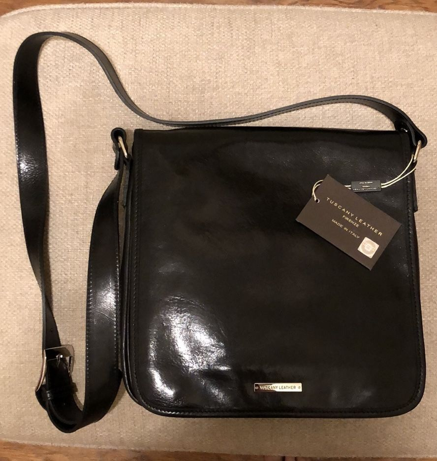 Calfskin Leather Crossbody Messenger Bag, Black