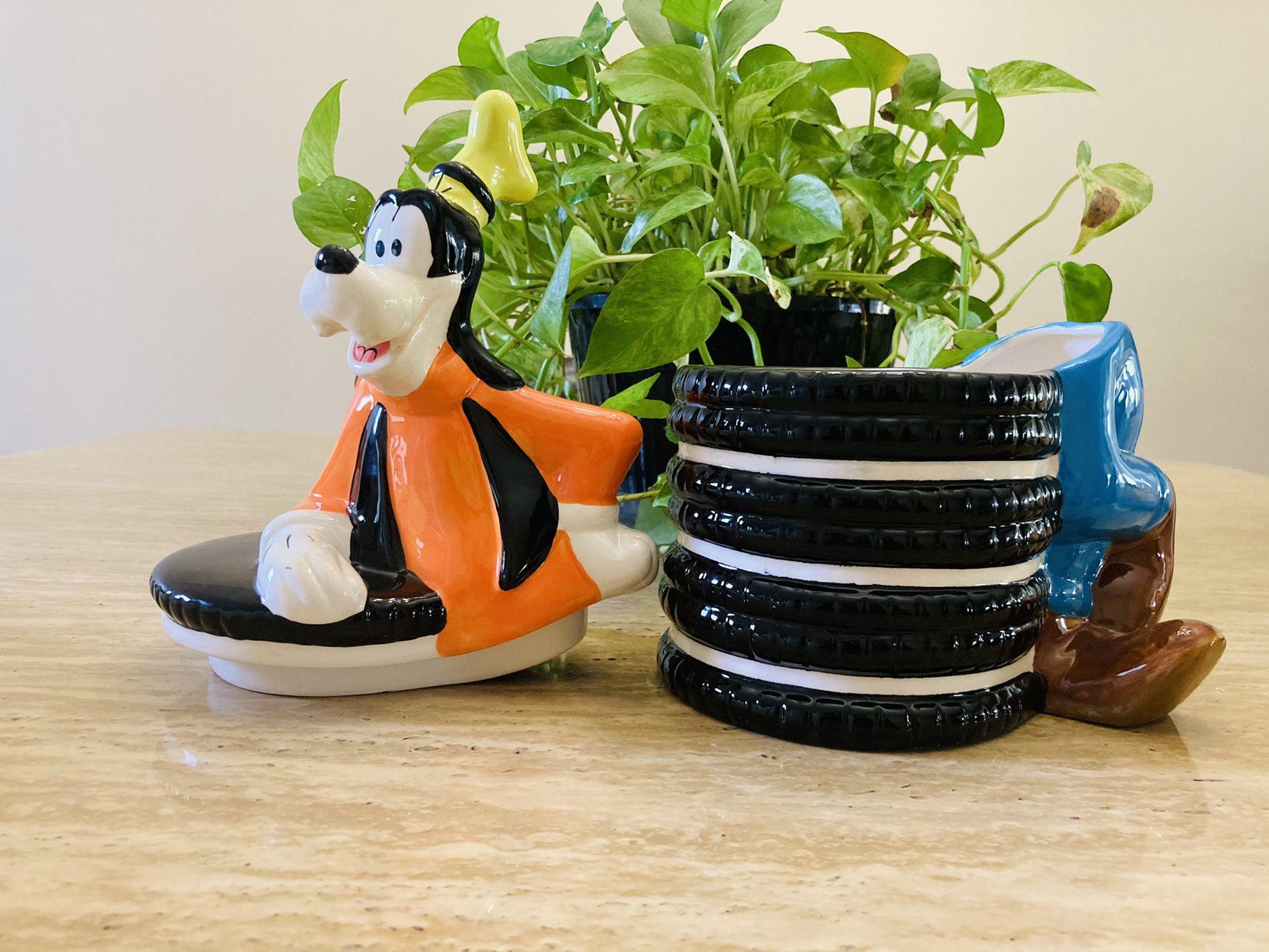 "Disney Goofy Ceramic Cookie Jar Oreos Theme 12"" - NWT"
