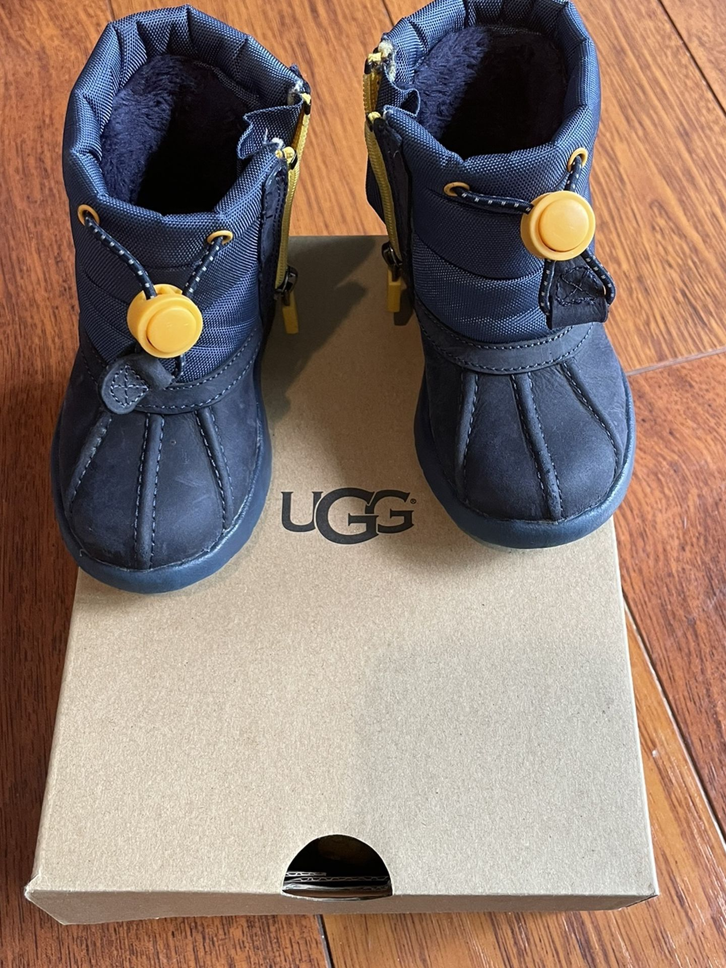 Uggs Boots Toddler Boys Size 6