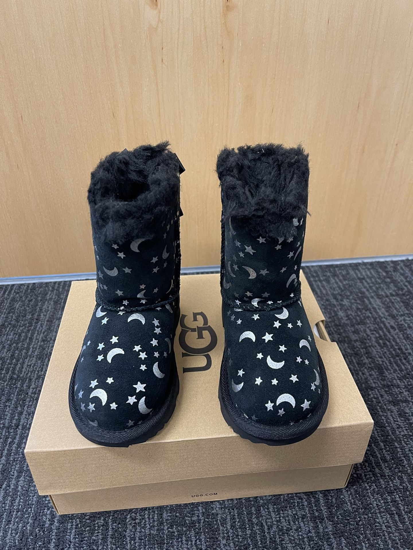 100% Authentic Brand New in Box UGG Bailey Bow Moon and Stars Boots / Color: Black / Toddler size 6, 7, 8, 11