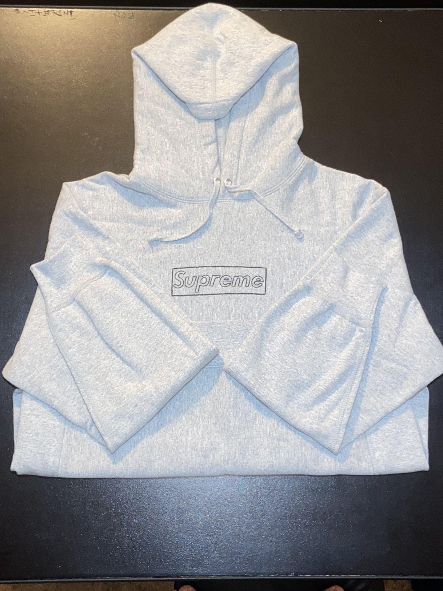 Supreme x KAWS Chalk Logo Hoodie🚨