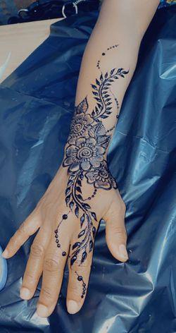 Henna Thumbnail