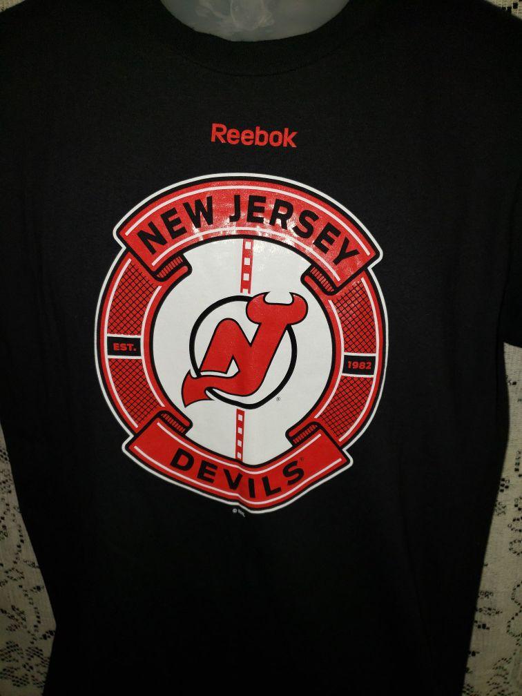 Reebok New Jersey Devils Tshirt men medium